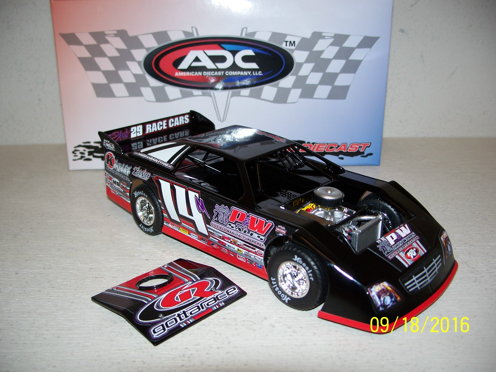 DIE CAST RACING COLLECTABLES - Dirt Cars